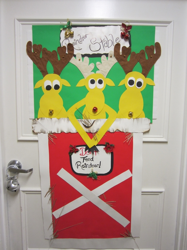Christmas Door Decorations Ideas For The Front And Interior Doors