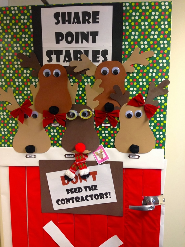 Christmas door decorations ideas for the front and for Funny christmas decorations