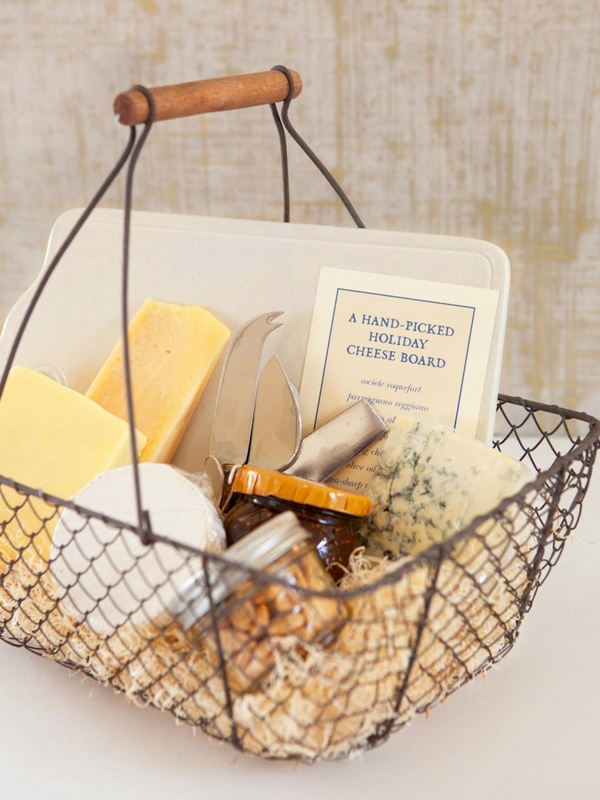christmas-gift-basket-ideas-a-perfect-gift-for-friends-and-family-img002