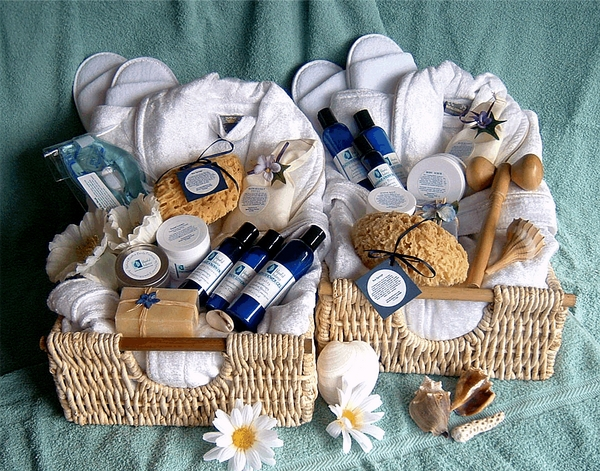 christmas-gift-basket-ideas-a-perfect-gift-for-friends-and-family-img012