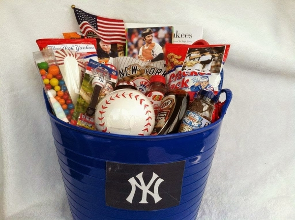 christmas-gift-basket-ideas-a-perfect-gift-for-friends-and-family-img018