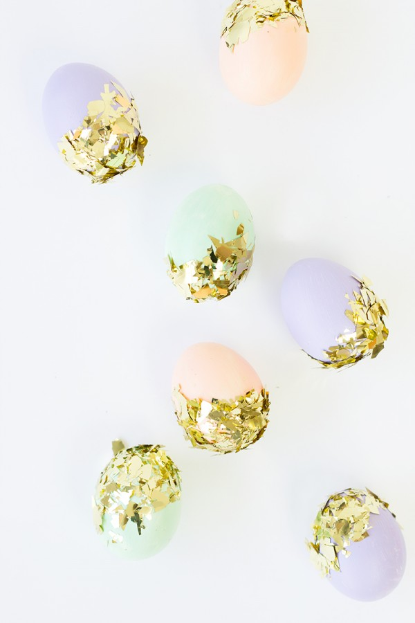 diy-easter-eggs-decoration-confetti-dipped-easter-eggs-002