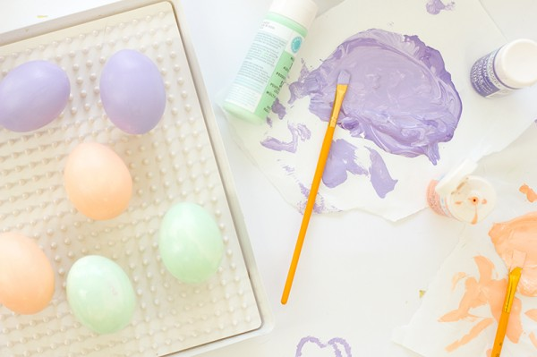 diy-easter-eggs-decoration-confetti-dipped-easter-eggs-004