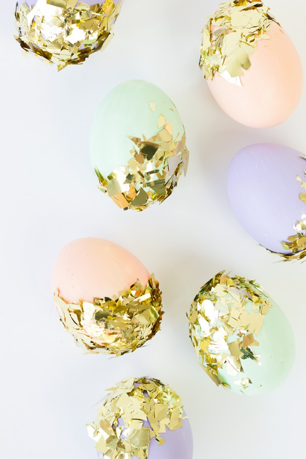 diy-easter-eggs-decoration-confetti-dipped-easter-eggs-007