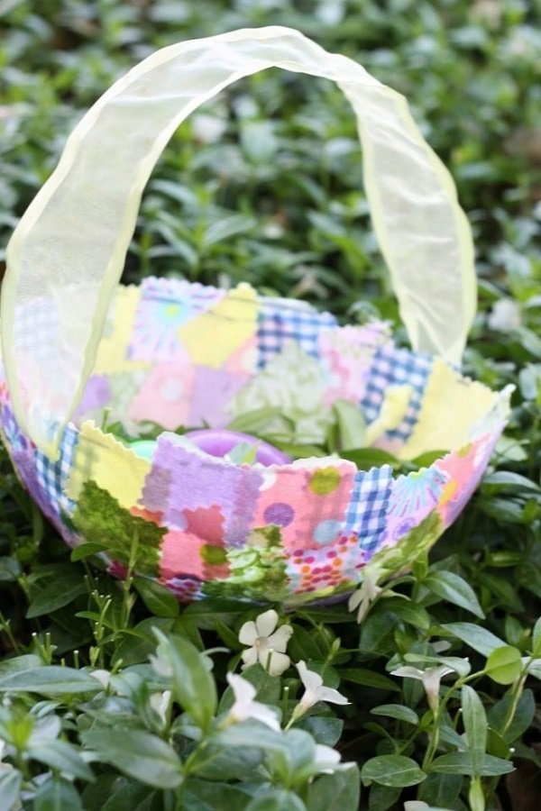 easter-basket-ideas-for-a-colorful-holiday-and-festive-mood-020