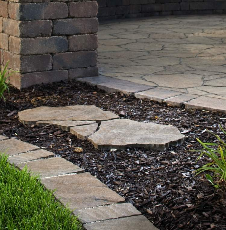 make-rasenkante-in-the-garden-a-selection-of-materials-img006
