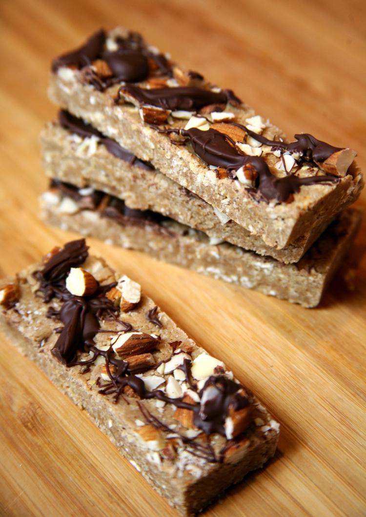 make-vegan-chocolate-itself-homemade-dessert-idea-img014