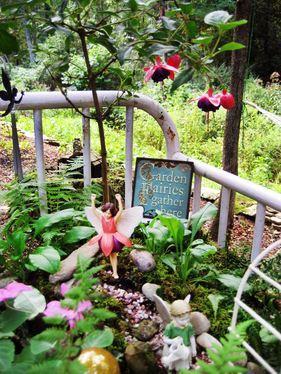 13-unusual-and-upcycled-container-gardens-img001