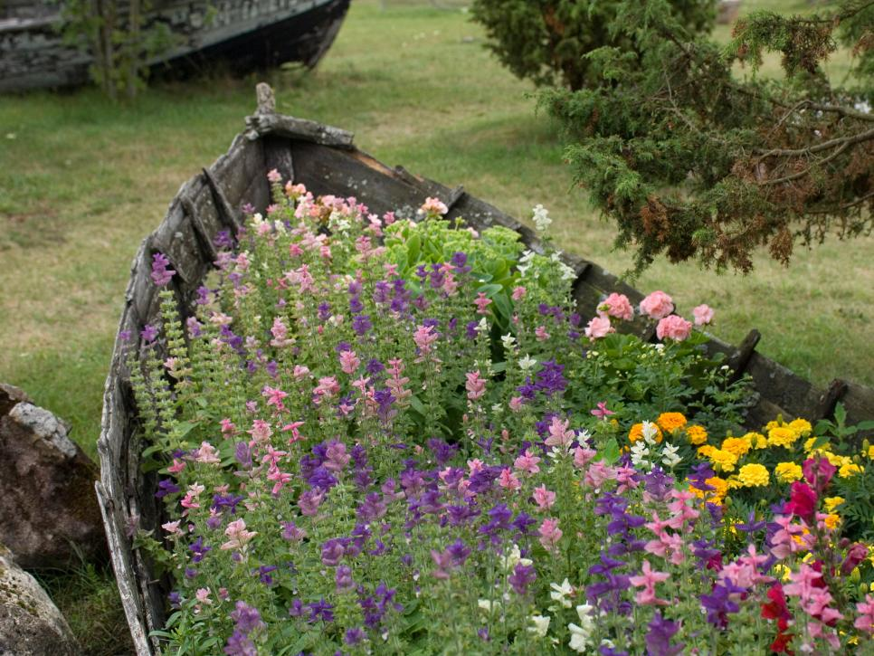 13-unusual-and-upcycled-container-gardens-img005