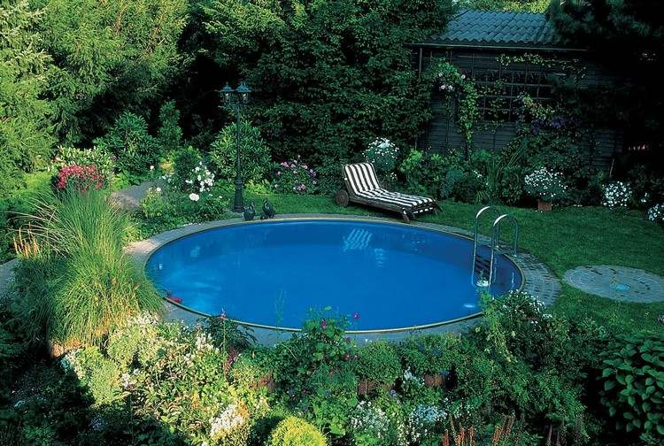 Swimming pool in your own garden so easily achieved the for Garden city pool jobs