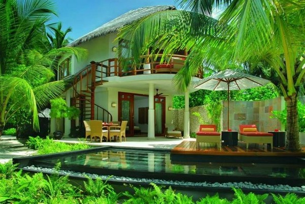 tropical-pools-beautiful-and-exotic-landscape-ideas-img014