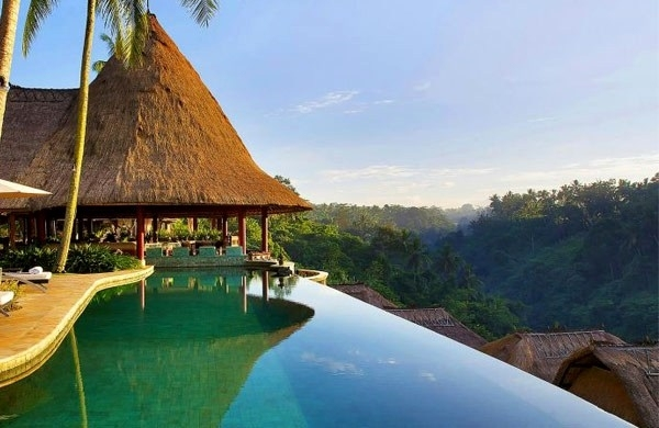 tropical-pools-beautiful-and-exotic-landscape-ideas-img019