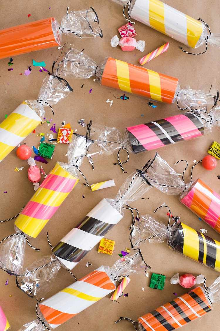 creative-ideas-and-instructions-for-halloween-candy-wrappers-diy-masters-img004