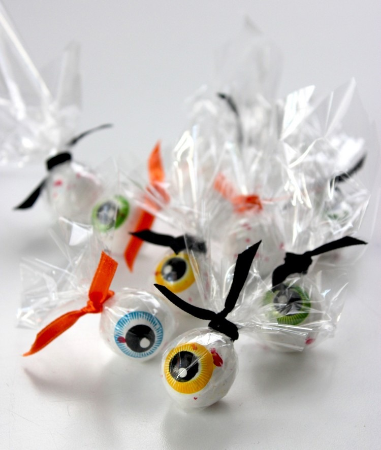 creative-ideas-and-instructions-for-halloween-candy-wrappers-diy-masters-img010