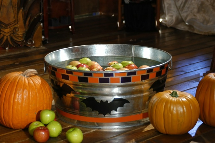 halloween-games-7-ideas-with-children-indoors-and-outdoors-diymasters-img007