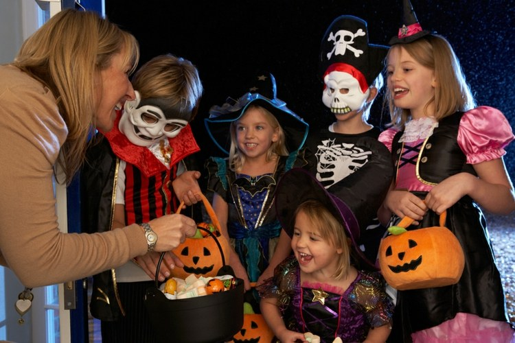 halloween-games-7-ideas-with-children-indoors-and-outdoors-diymasters-img014